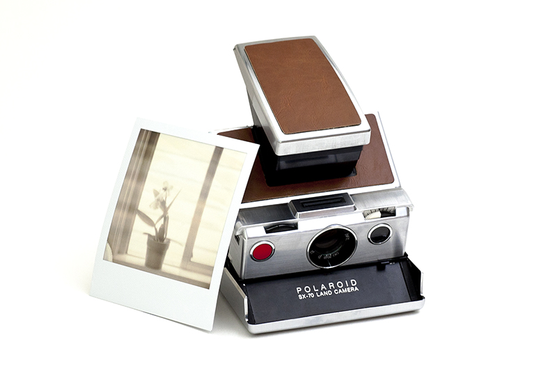 polaroid-sx-70-camera